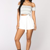 Rays Of Sunshine Linen Shorts - White