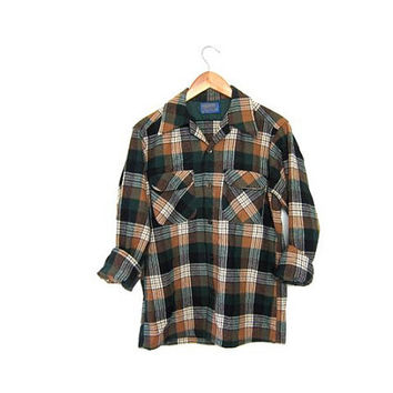 20% OFF SALE Vintage Plaid Pendleton Flannel. Wool Flannel. Grunge Shirt. Boyfriend button up shirt. men's Small
