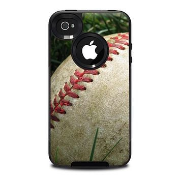 The Grunge Worn Baseball Skin for the iPhone 4-4s OtterBox Commuter Case