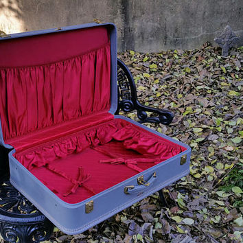 Vintage American Tourister Marine Blue Stacking Suitcase Scarlet Red Taffeta Lining 26 Inch Suit Case
