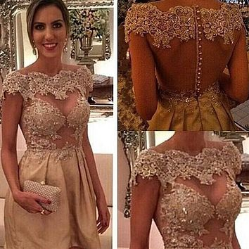 Champagne Illusion Nude Bodice Short Mini Length Boat Neck Cocktail Party Dress With Beaded Lace Applique 2017