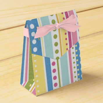 Abstract Stripes & Circles Pattern Favor Box