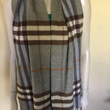 Burberry Giant Check 100% Cashmere Scarf