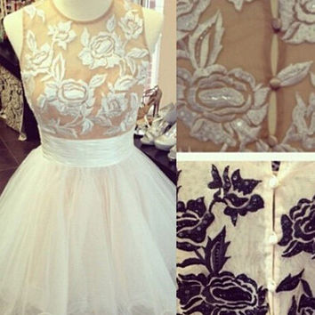 Scoop Embroidery Short Tulle Homecoming Dress