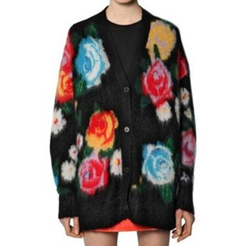 Rose mohair inlaid v-necked two-color knit cardigan coat for lady