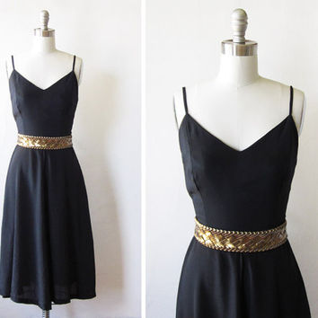 SALE little black dress / vintage 1970s cocktail dress / 70s black party dress