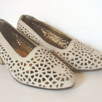 Vintage Suede Laser Cut Italian Shoes Size 7 by ElephantsCorner