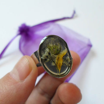 Epoxy Resin Flowers Jewelry Ring, Handmade Ring, Botanical Ring, Nature Boho Ring, Eco Resin  ring, Terrarium Ring, OOAK Unique Rustic Ring