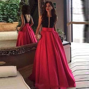Chariming 2017 Plunging V Neck Prom Dresses A Line Sleeveless Fuchsia Beaded Appliques Long Party Evening Gowns Formal Wear