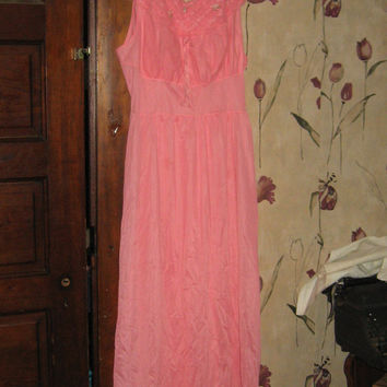 1950 hot  pink nylon long nightgown  size  40