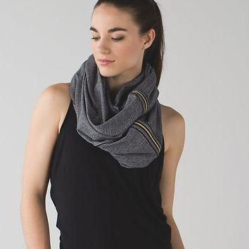 vinyasa scarf *zips | women's scarves & gloves | lululemon athletica
