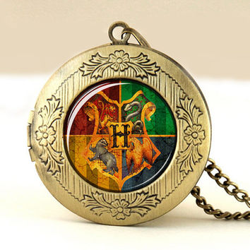 Hogwarts School Crest Locket Necklace,Harry Potter vintage pendant locket necklace