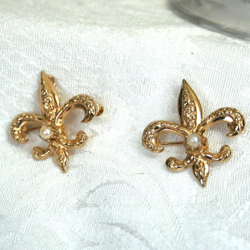 Vintage Goldtone Fleur De Lis Brooch Pin Pendant, Vintage Pearl Jewelry, Fleur De Lis with Faux Pearl? Set of 2, New Orleans Saints Jewelry