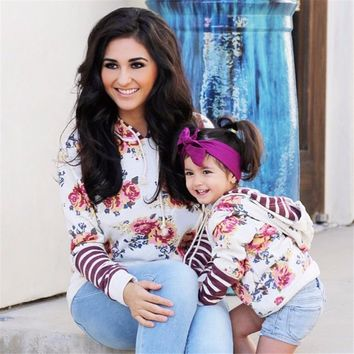 Abacaxi Kids Matching Floral Hoodies Mom & Daughter