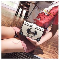 Female Rivet Shoulder Bag Chain Fashion Casual Simple Temperament Wild Messenger Bag