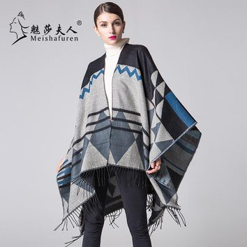 Europe and America thickening Fringed Shawl Loose coat 2017 Autumn and Winter long Ladies Ethnic style Blanket Cloak M1022S