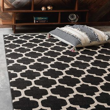 9950 Black Trellis Area Rugs