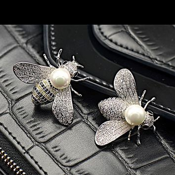 Shell pearl lovely bees micro inlaid zircon insect brooch