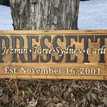 Personalized Family Name Sign Custom Carved Wooden Signs Last Name Décor Established Wood Plaque 3D Engraved Couple Anniversary