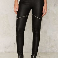 Glamorous Touched by an Angle Zipper Legging