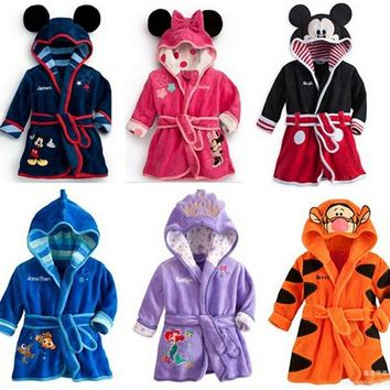 2016 New Baby bathrobe Children kids Pajamas Mickey Minnie bath robe baby homewear boys girls hooded rob