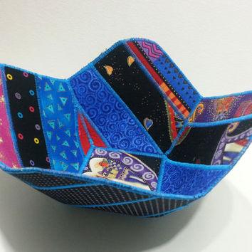 Reversible Fabric Bowl in Laurel Burch Cat Prints