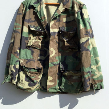 Vintage Mens Camo Jacket US Military Shirt Woodland Camouflage Short Cotton Medium