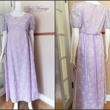 "1960s White & Yellow Daisies on Lavender/Purple Gown, Size S/M 34"" Bust, Short Sleeve Maxi Bridal Dress"