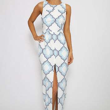 Toby Heart Ginger - Enchanted Maxi Dress - White And Blue Tile Print