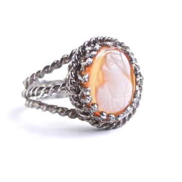 Carved Cameo Ring - Vintage Silver Tone Size 7 Costume Jewelry / Wrapped Wire Maiden