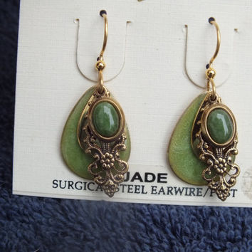 Jade Earring, Dancing Winds Brand New in Package with Accents Green Stones Nice Southwestern Style Ladies Jewelry Free Shipping and Gift Box