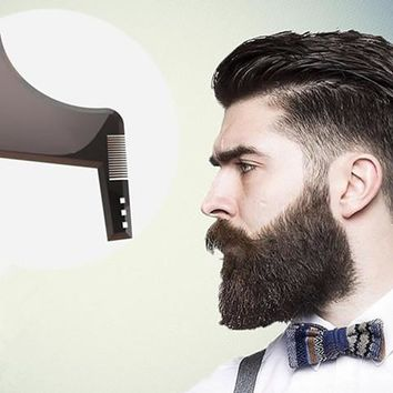 COMB BEARD SHAPING TOOL