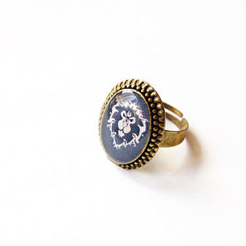 World of Warcraft (WoW) - Alliance Faction Crest - Handmade Vintage Cameo Ring