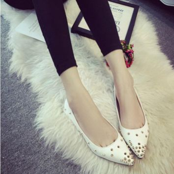 Adults Best selling Zapatos Mujer 2016 New Plus size 40 Rivets Glitter Pointy Toe Women Loafer Match Shoes and Bag Italy On Flat