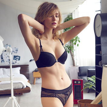 French Fashion Sexy Lace Bombshell Bra And Panty Set Embroidery Underwear Front Closure Lingerie Summer Style