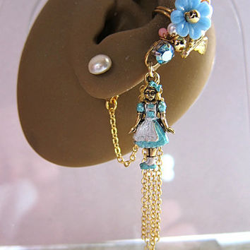 Alice In Wonderland Ear Cuff And Vintage Pearl Stud Nature Gold Flower Sweet Feminine Forest Dangle