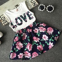 2016 New Fashion Cute Baby Girls Clothes Set Summer Sleeveless T-Shirt Top and Floral Skirt 2PCS Little Girls Outfit Set