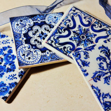 Set of four coasters, replica of Portuguese tiles, made in polymer clay.