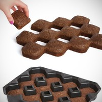 Fox Run Bakelicious CRISPY CORNERS BROWNIE PAN