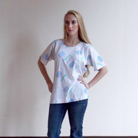 retro tee / 80s shirt / short sleeved shirt / cool tshirts