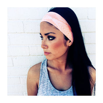 Yoga Headband in Peach Arrow