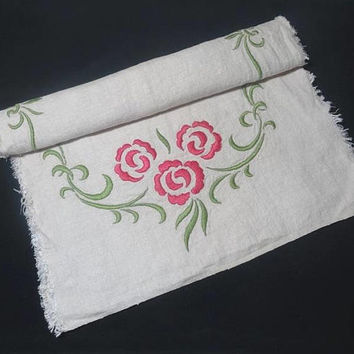 1960s Linen Ivory Dresser Scarf, Doily with Silk, Hand Embroidered Pink Flowers, Green Leaves, 34 x 16 In., Vintage Linens, 1960s Home Decor