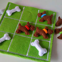 Kids Tic Tac Toe game set - Dogs and Bones - Birthday present for children - Kids Felt toy