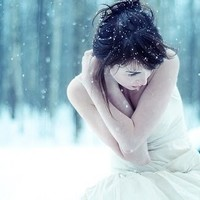 girl, snow, white, winter - inspiring picture on Favim.com