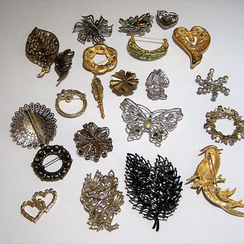 Vintage Wholesale Rhinestone Pin 22 Piece Lot, Wholesale Collection Bridal Wedding Brooch, Mid Century Jewelry, Costume Jewellery 517