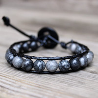 Mens Unisex Beaded Leather Single Wrap Bracelet with Gray Labradorite Stone Beads on Genuine Black Leather Stackable Bracelet Unisex