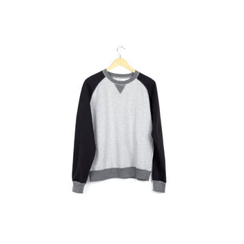 raglan fleece lined jersey sweatshirt / black and gray / minimal / crewneck / soft / basic / athletic / pullover / mens small - medium