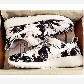 """NIKE"" Trending Fashion Casual Sports Shoes  Black white Tree Print"