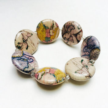 Map bracelet, beaded bracelet, decoupage beads, colorful jewelry, elastic bracelet, vintage map beads, cartophile, map lover