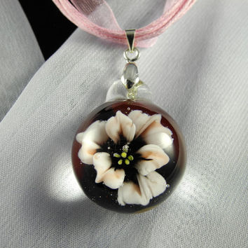 Pale Pink and Dark Red Borosilicate Glass Floral Pendant, lampwork, flamework, blown boro glass